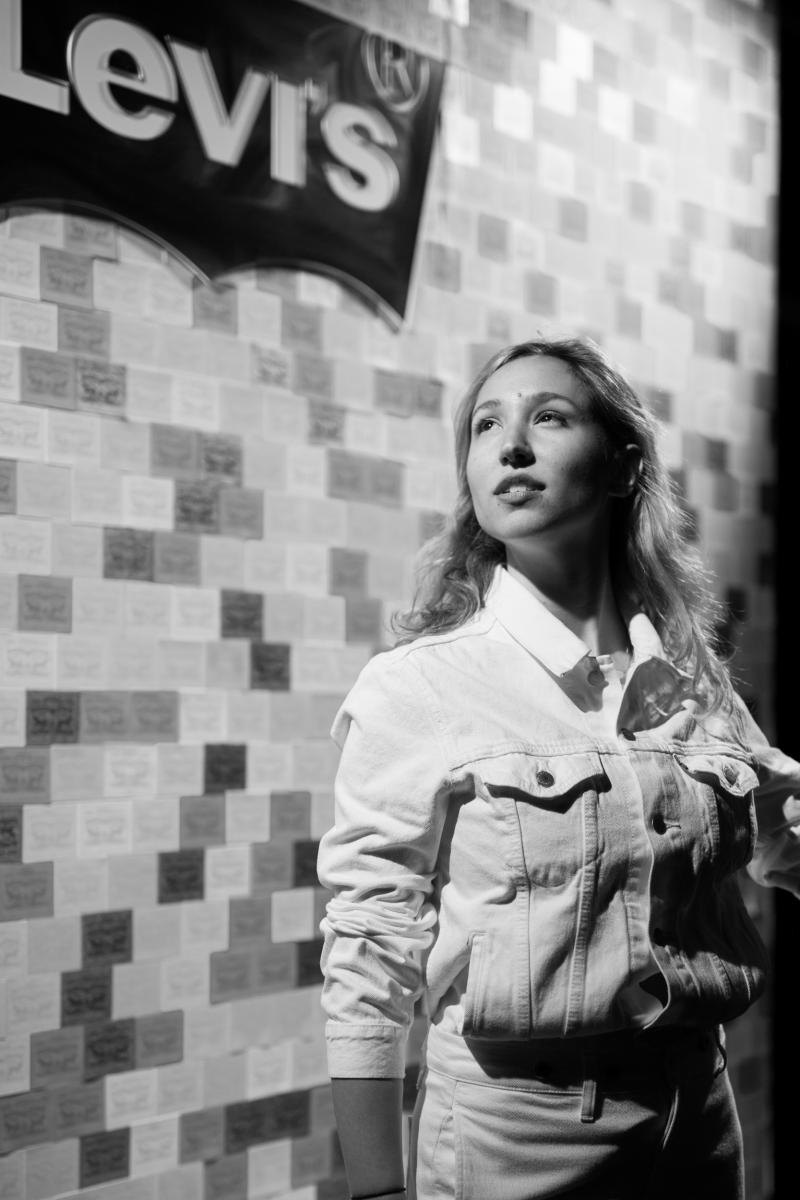 Photo portrait chanteuse soirée Levis